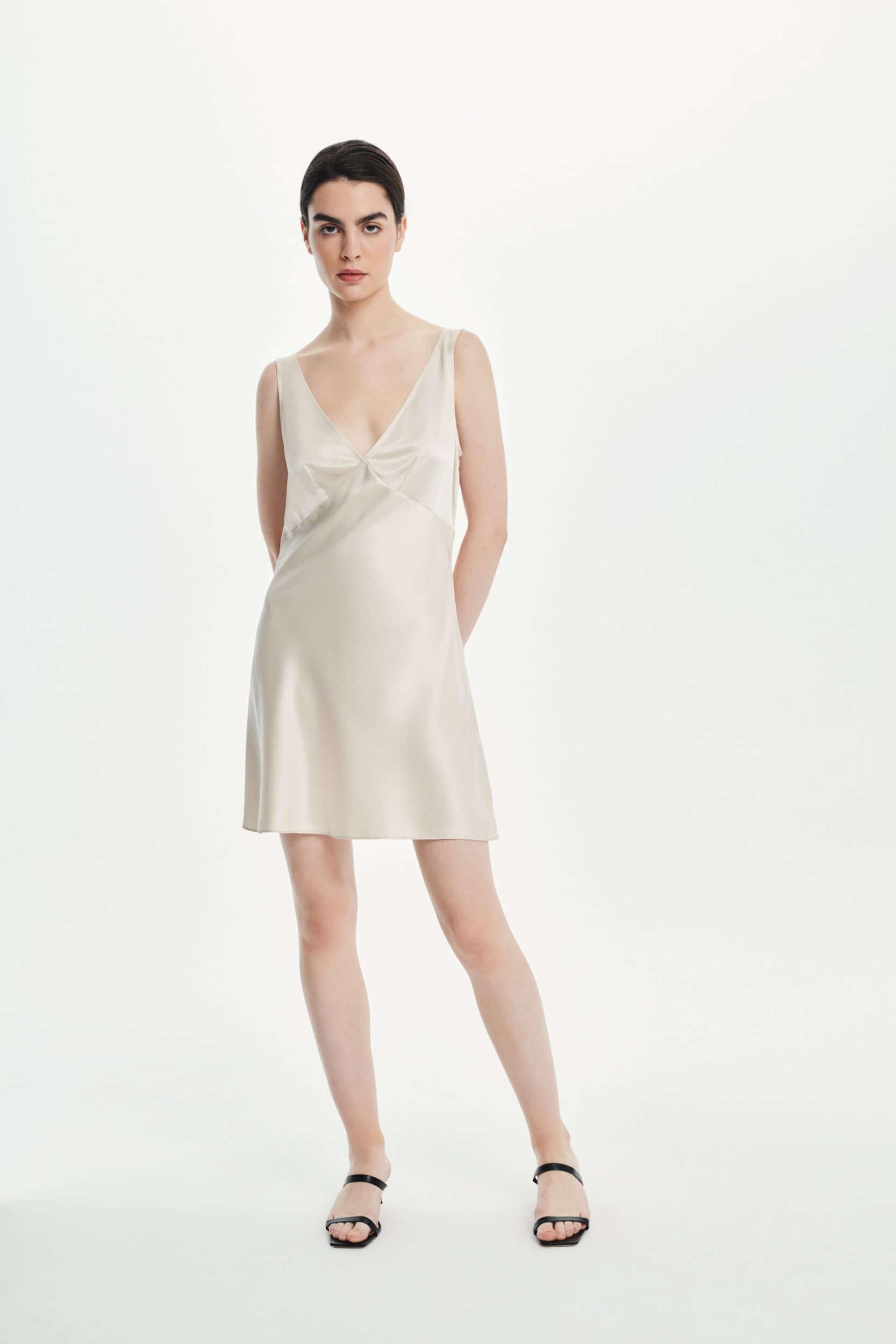 Jedwabna sukienka mini champagne
