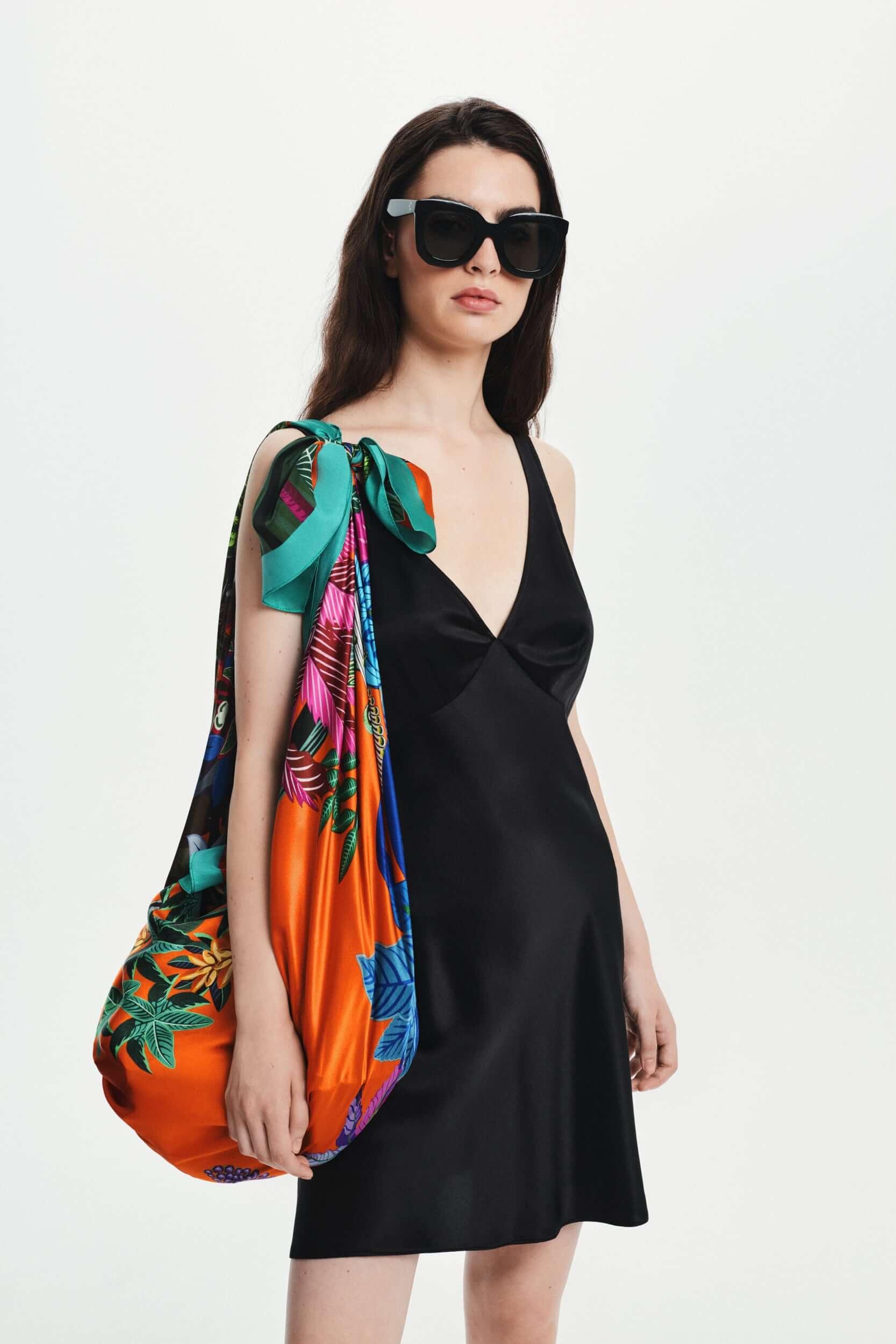 Jedwabna sukienka mini czarna