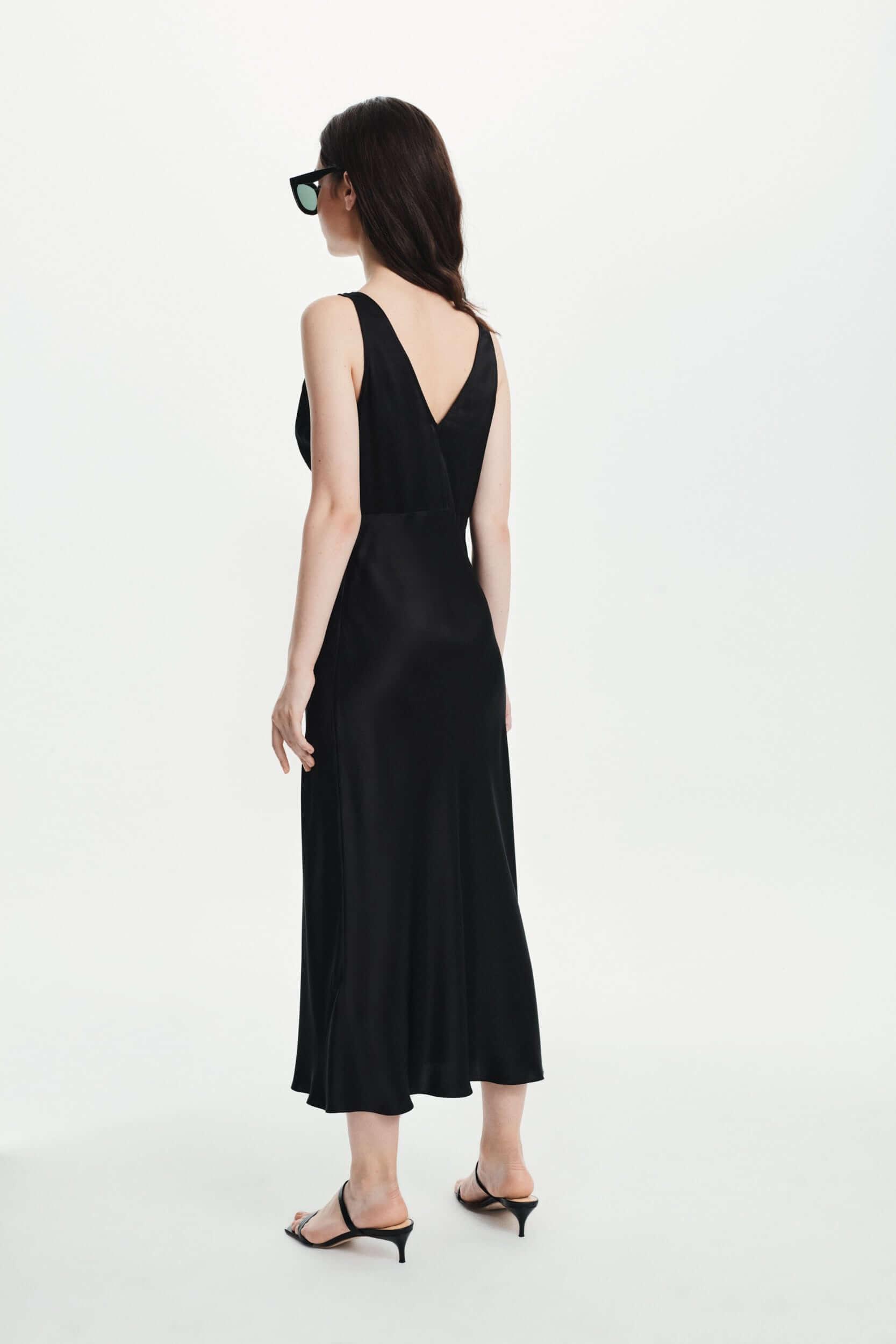 Silk Midi Dress in black
